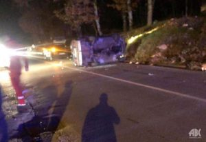 Dvije osobe povrijeđene u nesreći, od siline udarca automobil završio na boku