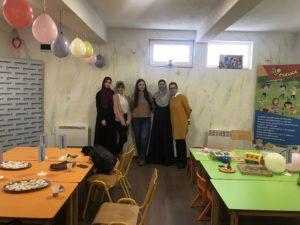 """Sparkasse Bank nastavlja sa prazničnim darivanjem: Podržali rad udruženja """"Pčelice"""" iz Vogošće i """"Lotosice"""" Tuzla"""