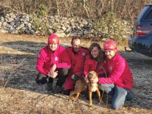 Hrabri spasioci kod Ljubuškog izvukli psa iz jame duboke 55 metara