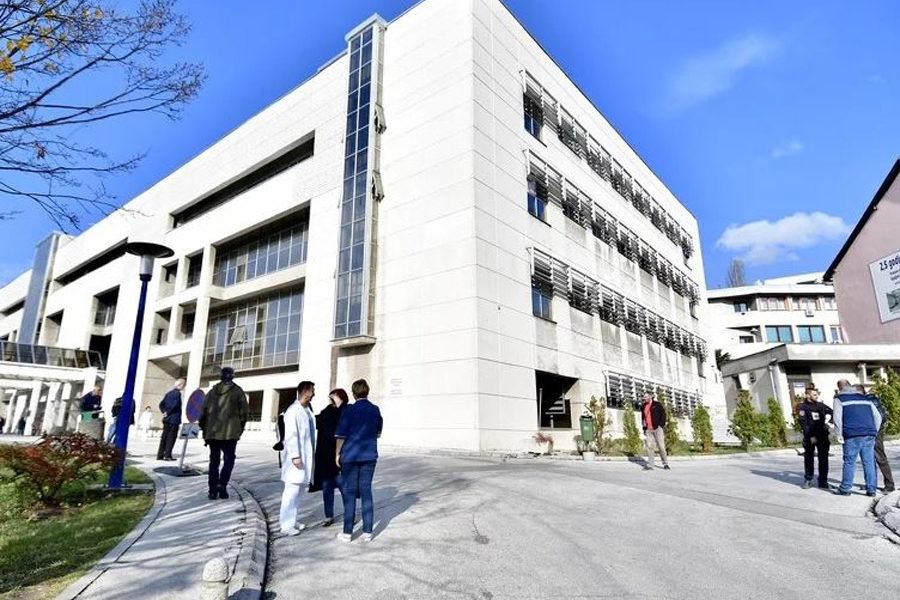 Sarajevo KCUS 900x600 - KCUS: Otkriven broj zaraženih medicinskih sestara i pacijenata u izolatoriju