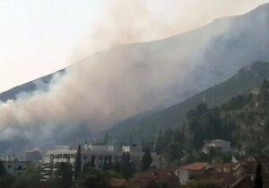 Požar u blizini Trebinja još uvijek aktivan, vjetar brzo širi plamen