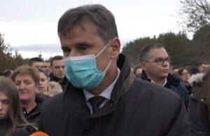 Novalić u Posušju: Odao počast i položio vijence za tragično stradale mlade ljude