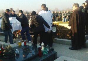 Na ispraćaju 2016., na sličan način od gušenja plinom, smrtno stradale dvije 21-godišnje djevojke u okolici Orašja