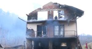 Porodica u trenu ostala bez krova nad glavom: Ljiljanu spasio komšija Milorad