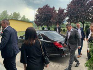 Zoran Milanović s cvijetom Srebrenice na reveru stigao u Vitez