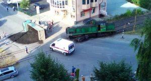Nesreća u Banovićima: Kamion se prevrnuo nakon sudara s vozom