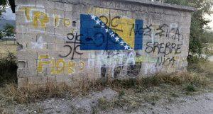 """""""Ovo je jako ozbiljna prijetnja"""": Preko zastave BiH ispisano """"Nož, žica, Srebrenica"""""""