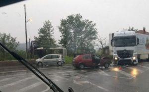 Nesreća u Doboju: Sudar dva automobila i kamiona